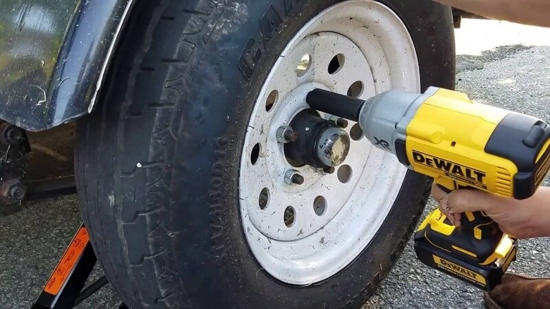 You can use it to change tires